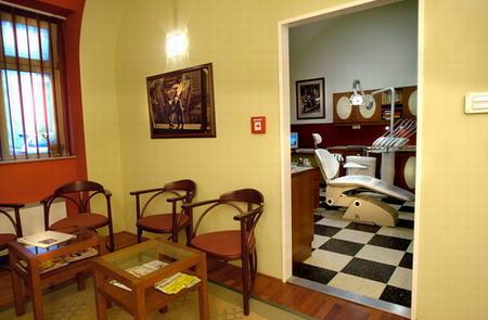 Стоматологический центр ВИТАЛ – Венгрия